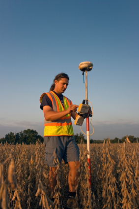 Surveyor using a GNSS Virtual Reference Station (VRS)